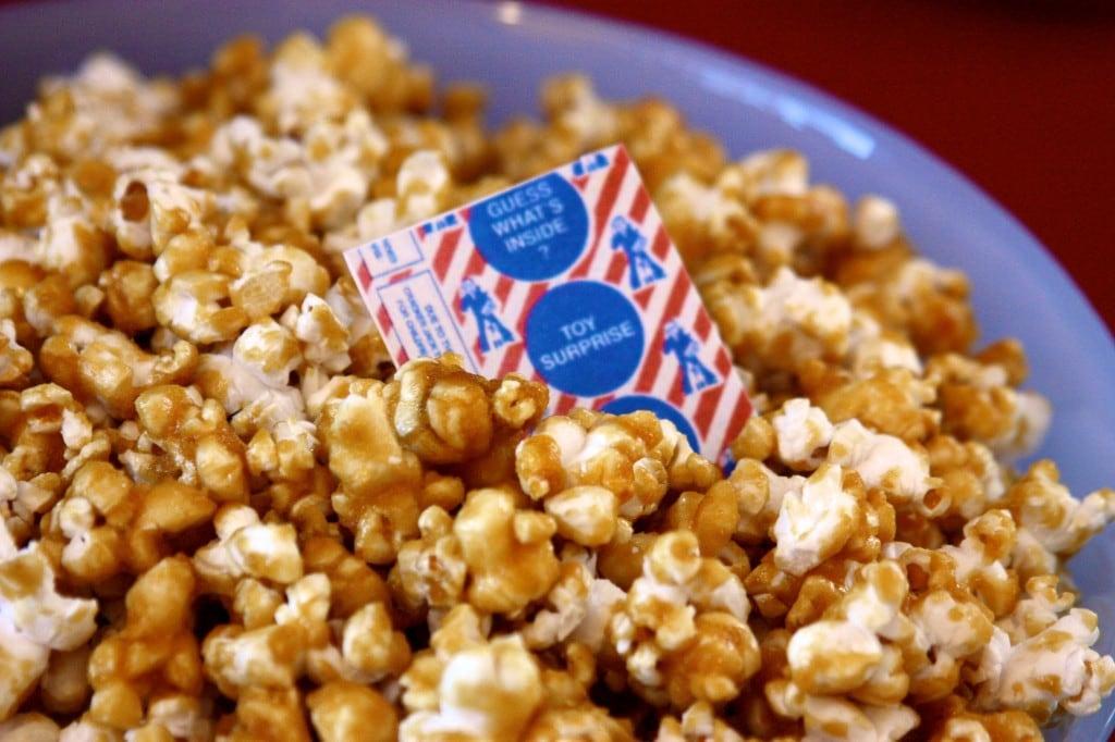 Caramel Corn Recipe #DairyFree #EggFree #Vegan   speedbumpkitchen.com