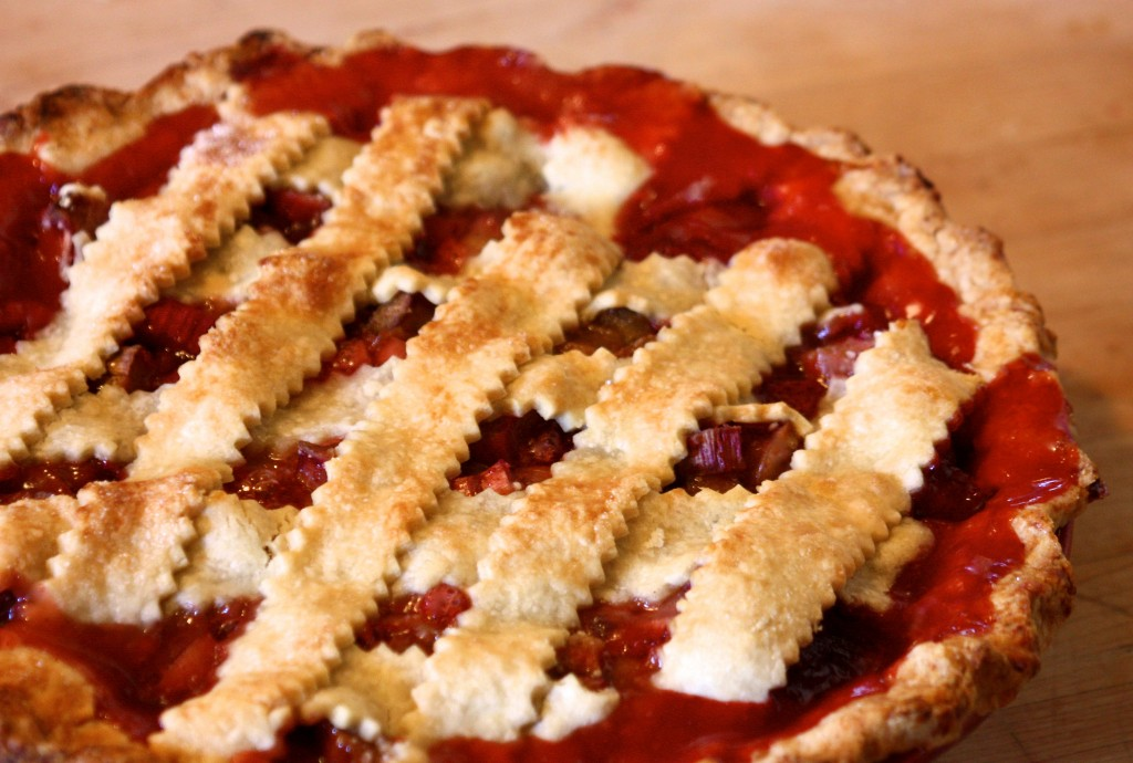 Strawberry Rhubarb Pie: Dairy and Egg-Free, Vegan Too! | www.speedbumpkitchen.com