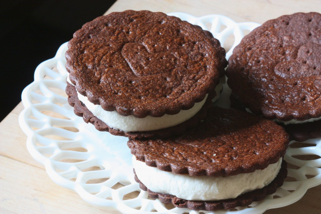 Homemade Ice Cream Sandwiches: Dairy & Egg-Free | www.speedbumpkitchen.com